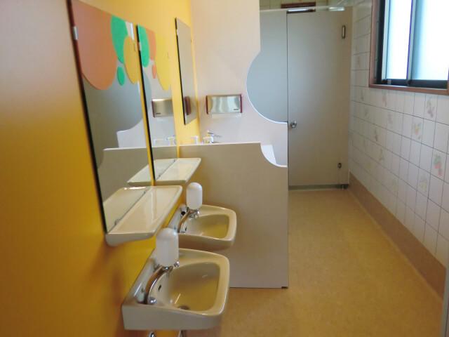 ひまわり組横トイレの写真